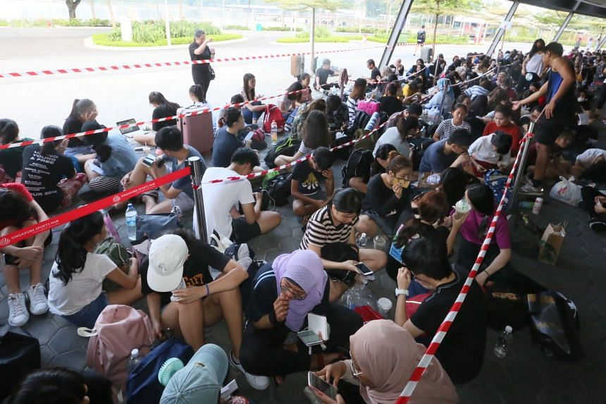 Some fans had started queueing five days before tickets for the show went on sale at the box-office booths outside Kallang Wave Mall.
