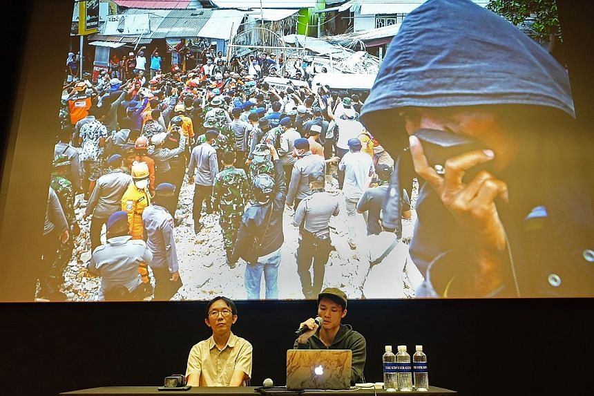 Straits Times photojournalists Lim Yaohui (left) and Mark Cheong sharing stories and the adventures that come with their job, in the last of a series of four weekends of talks on photography by ST and guest World Press Photo award-winning photojourna