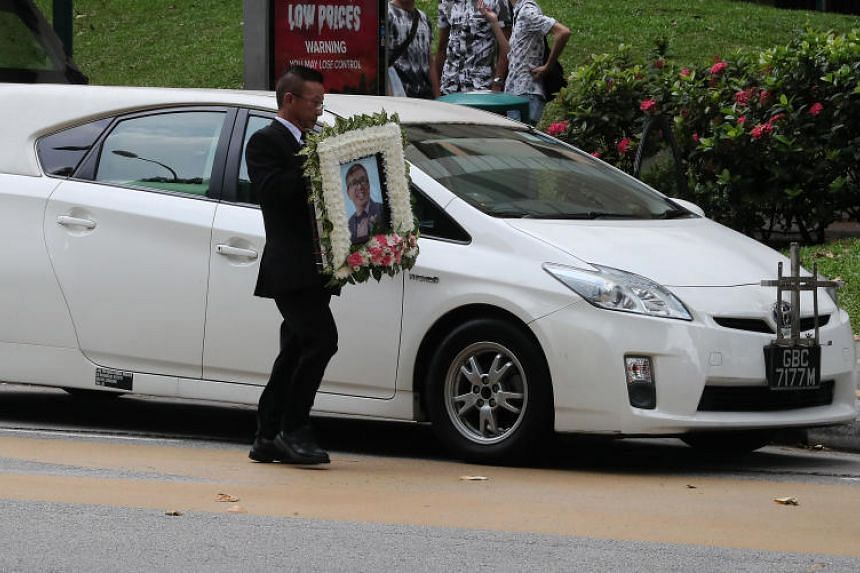 The cortege for paraglider Ng Kok Choong, who died in India, leaving for the crematorium on Oct 28, 2018.