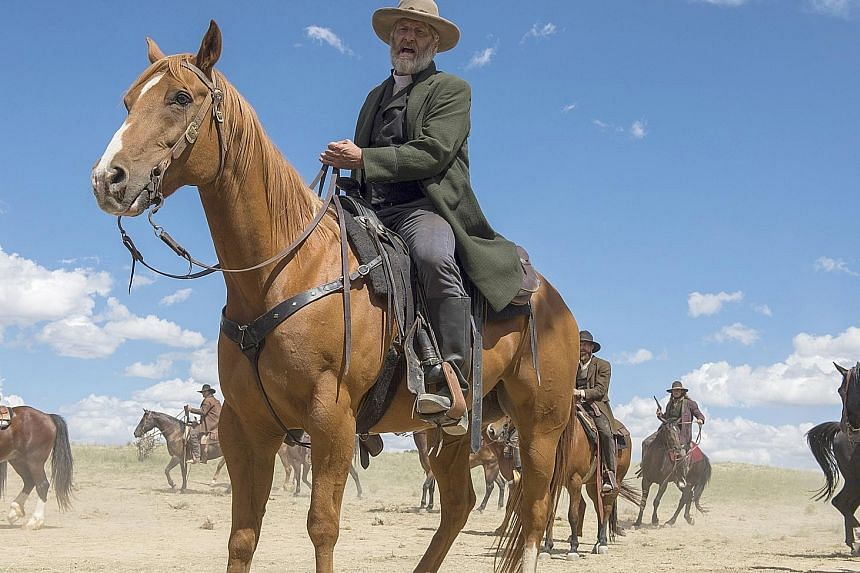 The horse that Liam Neeson worked with on The Ballad Of Buster Scruggs (left) remembered the actor from a previous project. Actor Jeff Daniels and his mighty Godless co-star Apollo.