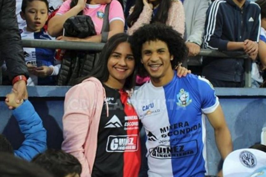Venezuelan striker Eduard Bello proposed to his girlfriend in the middle of the Chilean league match between Antofagasta and Everton on Oct 28, 2018.