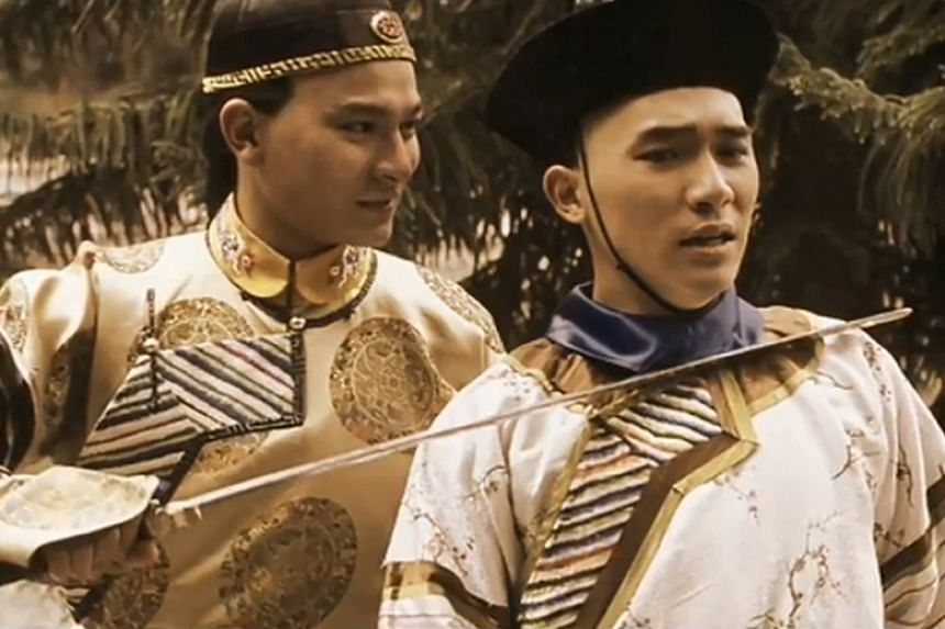 Andy Lau as the Kangxi emperor and Tony Leung as Wei Xiaobao in the 1984 Hong Kong television series adaptation of The Deer and the Cauldron.