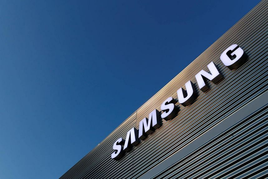 Samsung said the memory chip market would slow down in the first quarter of next year then regain stability as server demand picked up in the following quarter.