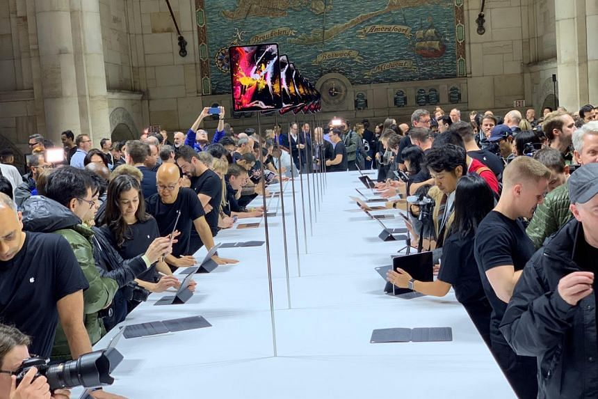 The hands-on area for Apple's new iPad Pro and MacBook Air in New York City on Oct 30, 2018.