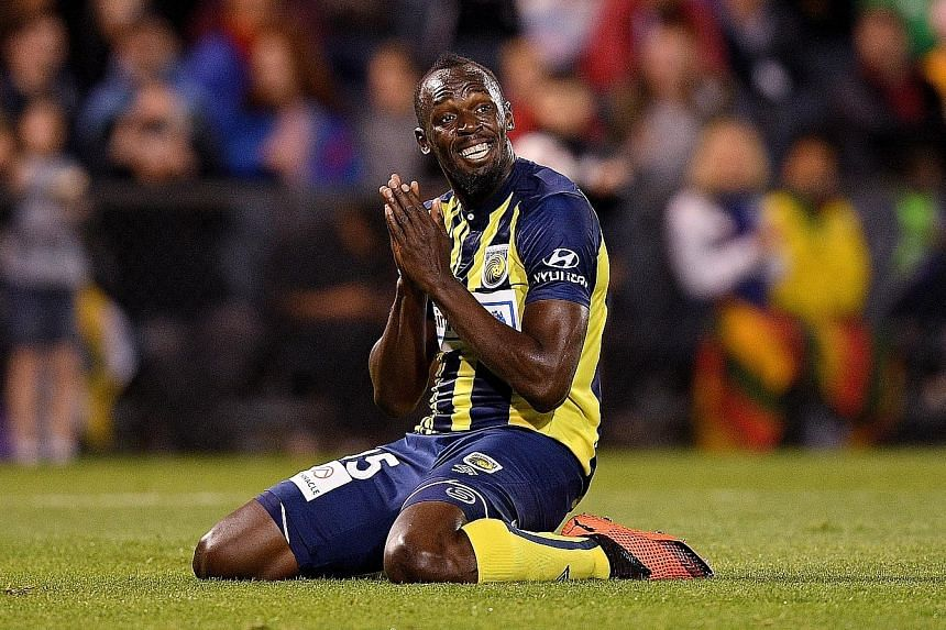 Usain Bolt turned down a reported offer of US$150,000 from the Central Coast Mariners.