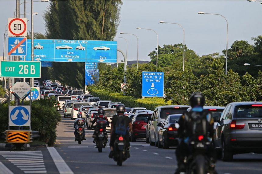 Currently, motorcyclists pay a RM1.10 toll on the Malaysian side of the Second Link and 40 Singapore cents at the Republic's Tuas checkpoint.
