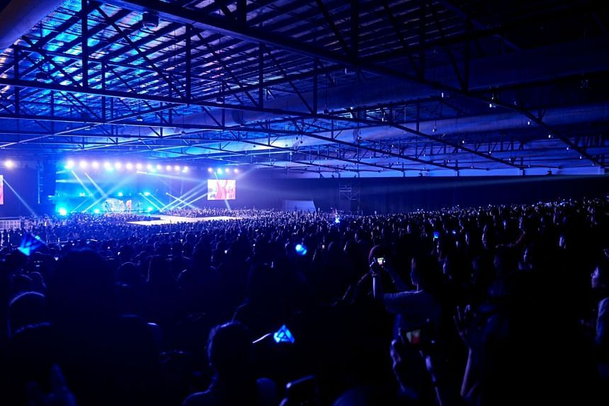 The crowd at K-pop boyband Winner's concert held on Saturday (Nov 3) at The Max Pavilion.