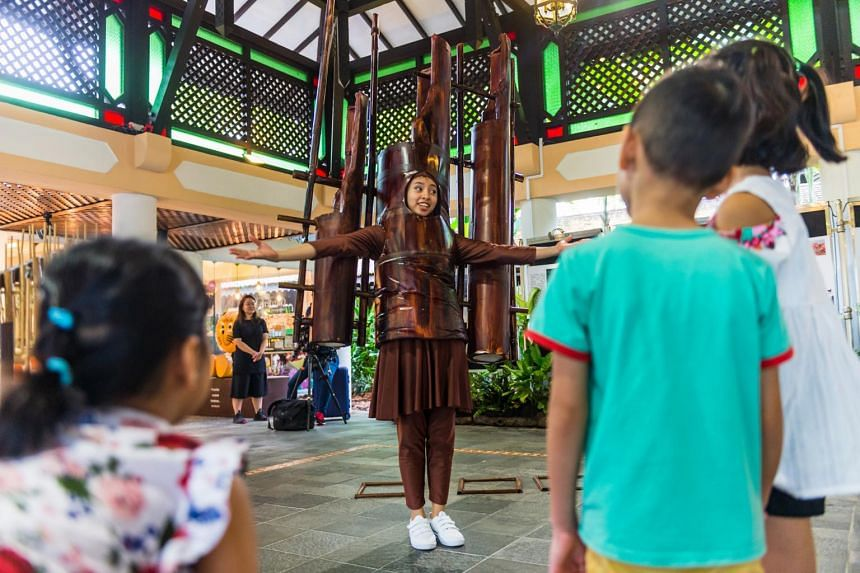Free arts events, including puppet show and art walks, in Woodlands