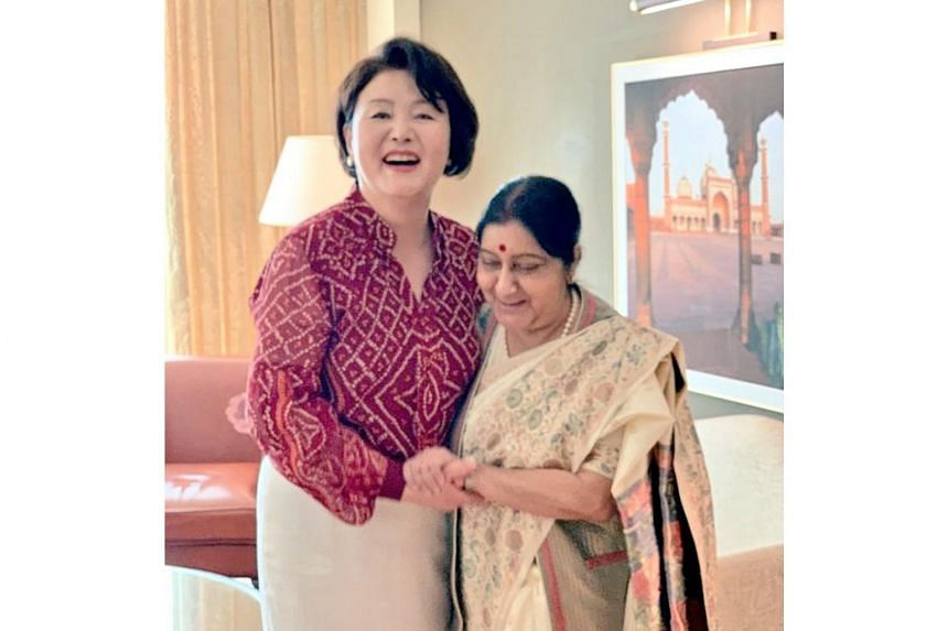 South Korean President Moon Jae-in's wife Kim Jung-sook with India's Minister of External Affairs Sushma Swaraj in New Delhi on Nov 5, 2018.