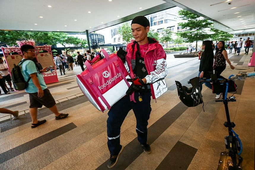 The start-up will be the only food delivery service in Singapore that allows users to pick up their orders from over 2,000 restaurant vendors.
