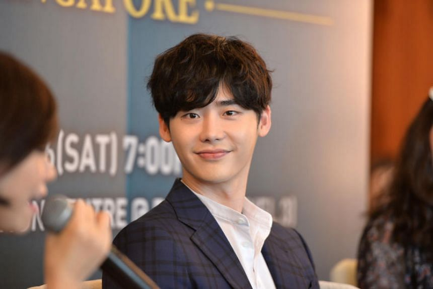 "Lee Jong-suk and his team were not granted departure from Jakarta due to ""inept business handling"" by the management and the local event organiser, said his agency."