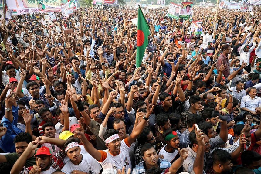Supporters gather for the maiden rally of the main opposition alliance, Jatiya Okiya Front, in Dhaka, Bangladesh on Nov 6, 2018.