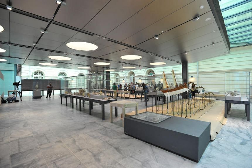 The Khoo Teck Puat Gallery in the Riverfront wing of the Asian Civilisations Museum. The museum's Kwek Hong Png and Riverfront wings won the award for New Design in Heritage Contexts.