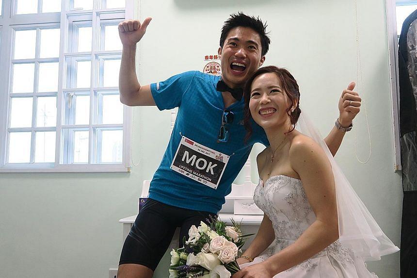 Mok Ying Ren and Belinda during their marathon-themed wedding gatecrash.