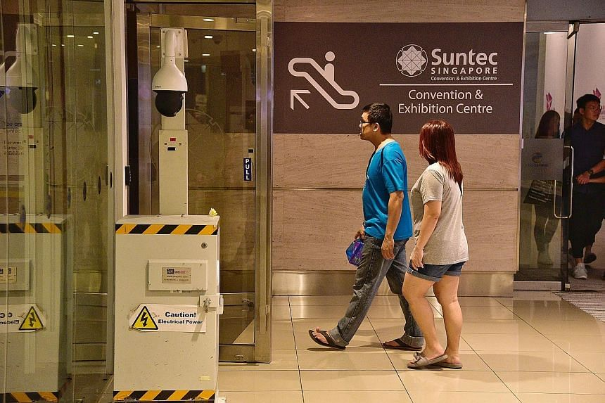 Security cameras have been installed in the mall, near the side entrance leading to the Suntec Singapore International Convention and Exhibition Centre. A road sign below the link bridge between Marina Square and Suntec City that indicates no right t