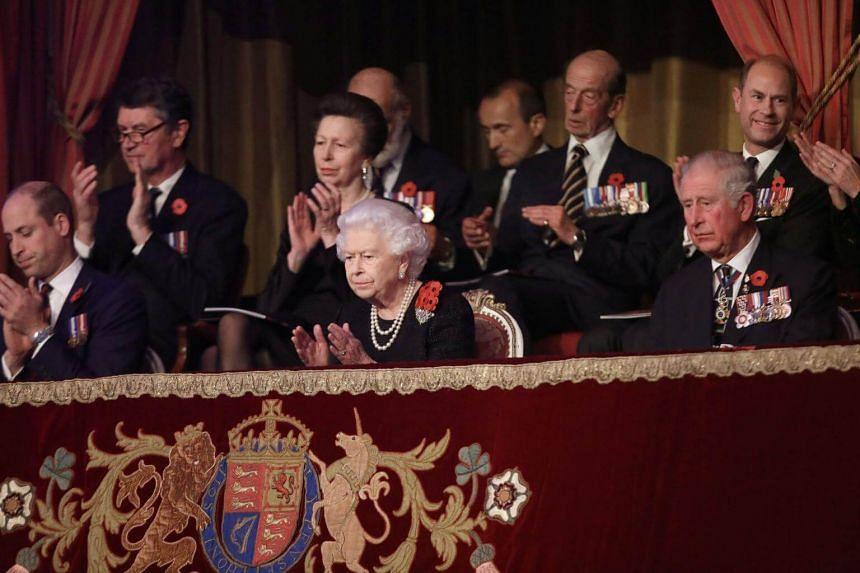 Bildergebnis für Queen Elizabeth Launches British Commemorations 100 Years after World War I