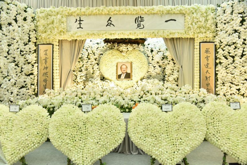 Family and friends streamed in to Hong Kong Funeral Parlour on the last day of the private wake of Jin Yong on Nov 12, 2018.