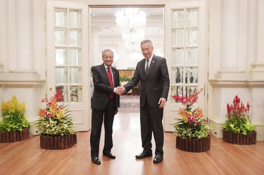 Prime Minister Lee Hsien Loong and Malaysian Prime Minister Mahathir Mohamad at the Istana on Nov 12, 2018.