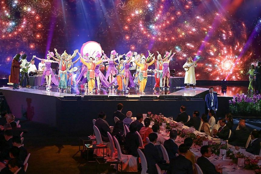 Guests were treated to an item by multi-ethnic performance group People's Association Talents during the dinner.