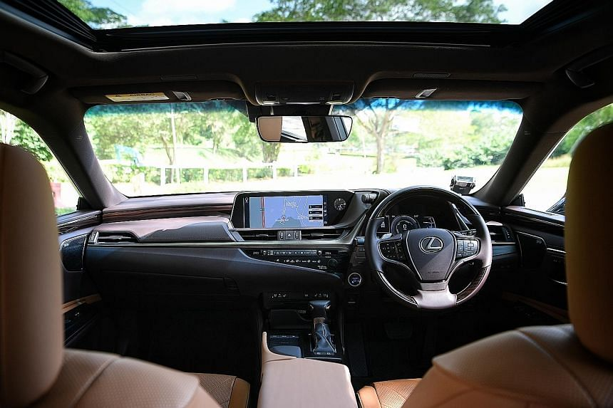 The Lexus ES300h offers a comfortable and cosseted ride.