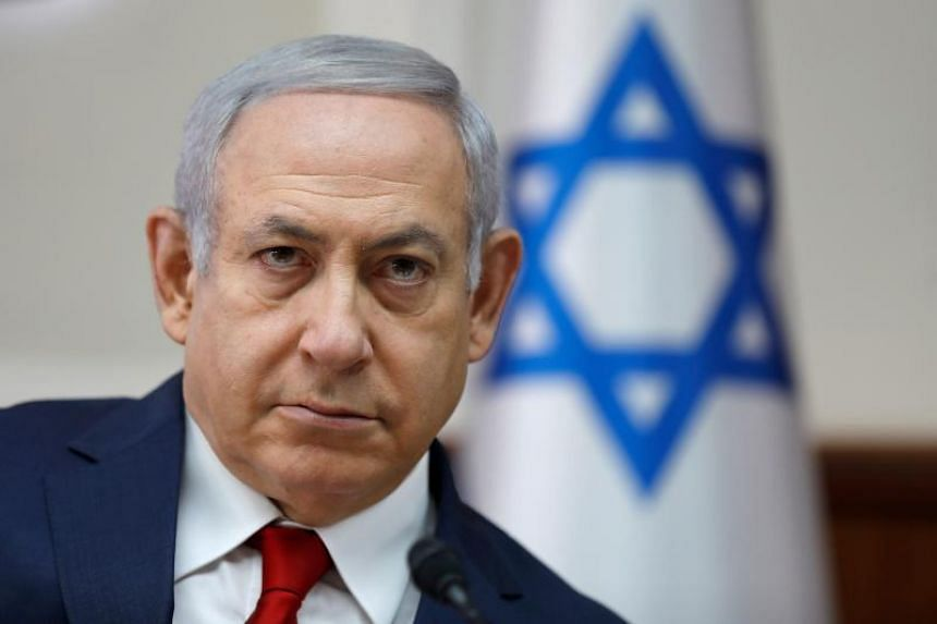 Israeli Prime Minister Benjamin Netanyahu will be meeting his finance minister in what he described as a last attempt to prevent the collapse of the government.
