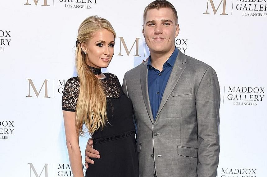 Paris Hilton has called off her engagement with actor Chris Zylka.