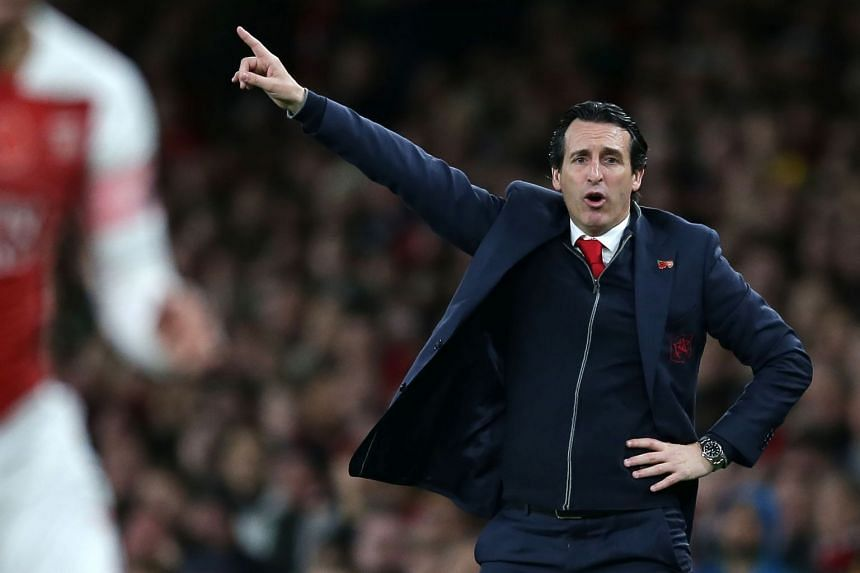Emery gestures on the touchline as Arsenal play  Wolverhampton Wanderers on Nov 11, 2018.