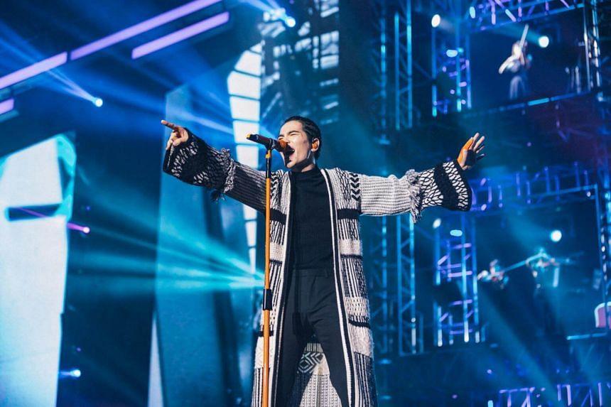 Taiwanese Mandopop star Jam Hsiao opening his concert at the Singapore Indoor Stadium on Saturday night (Nov 24).