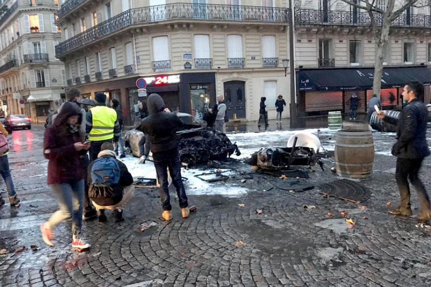 Scenes of the riots on Boulevard Haussmann, a street close to the Arc de Triomphe, in Paris on Dec 1, 2018.