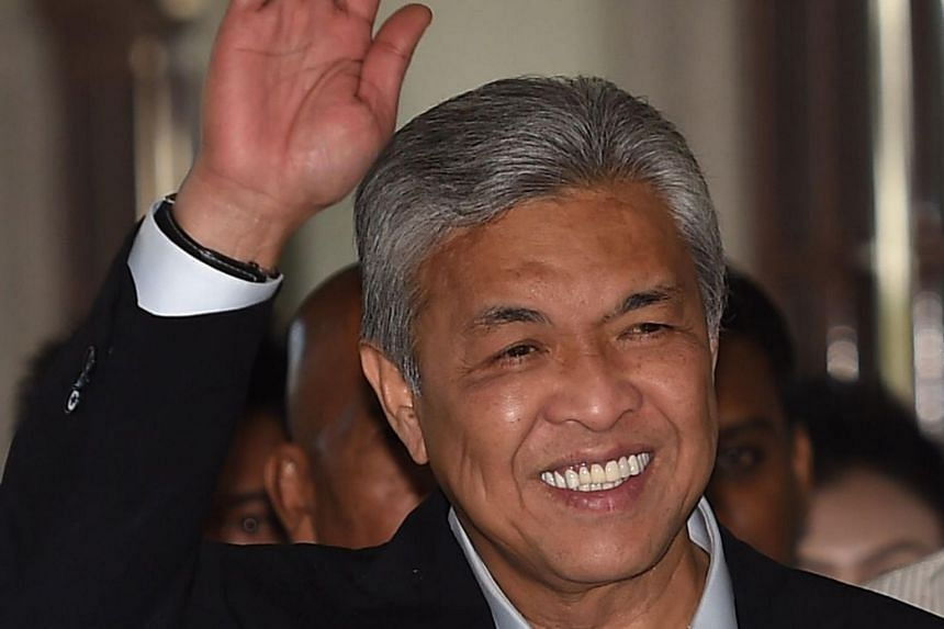 The chairman of opposition coalition Barisan Nasional, Ahmad Zahid Hamidi, rebuked its member party, the Malaysian Chinese Association for asking the former ruling alliance to be dissolved on Dec 3, 2018.