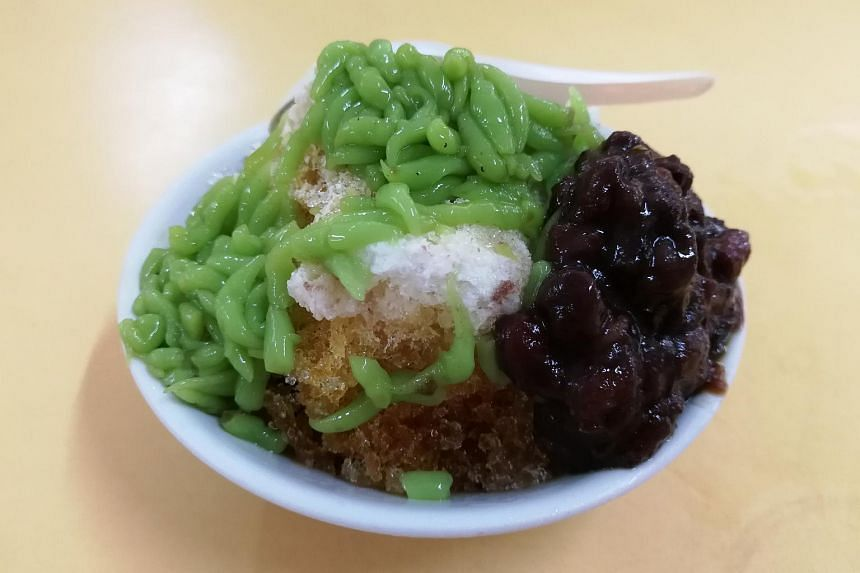 CNN said Singaporeans enjoy having chendol on sweltering afternoons and that it has become a favourite at seaside restaurants and sidewalk stands.