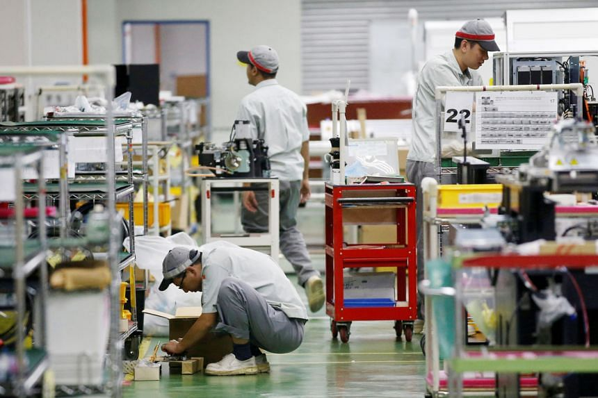 The electronics sub-index posted a drop of 0.6 point from October to 49.9, which indicates contraction. Despite the contraction, the electronics employment index recorded its 25th month of consecutive expansion.