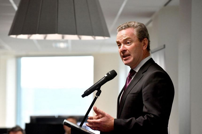Australian Minister for Defence Christopher Pyne insisted the the overall contract to guide the construction would be signed by mid-December.