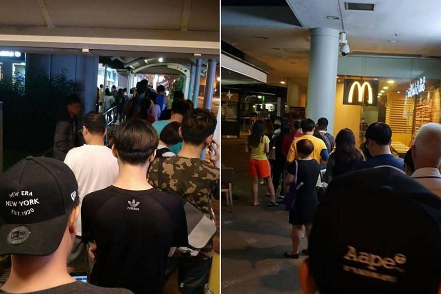 Photos posted by social media users on Dec 6, 2018, show snaking queues at outlets in Seletar Mall, Waterway Point in Punggol, Bukit Batok, Hougang and Bendemeer, among others.