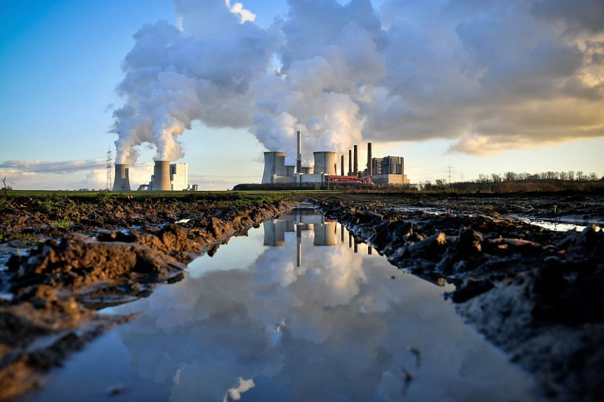 A coal-fired power plant in Bergheim. Germany. Coal use in power stations is a major source of CO2 emissions. But its use seems to be on the way out globally, albeit still slowly. The US, for instance, has been shutting down coal-fired plants and swi