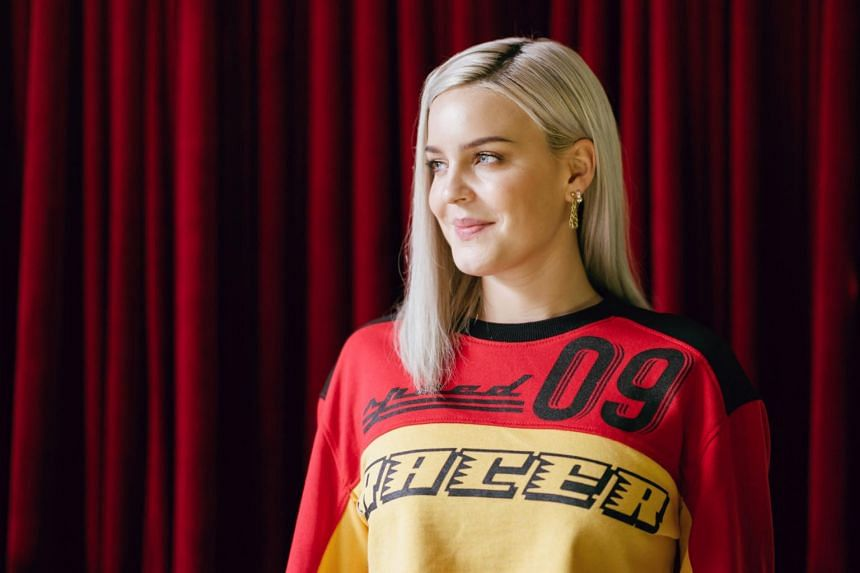 British pop singer-songwriter Anne-Marie is known for hits like 2002, which was in the Top 10 of the local streaming charts from May to October in 2018.