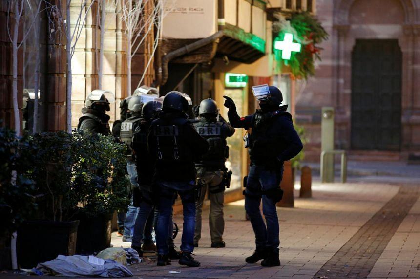 Strasbourg France Christmas Market Hours.Police Hunt Across Eastern France For Strasbourg Christmas