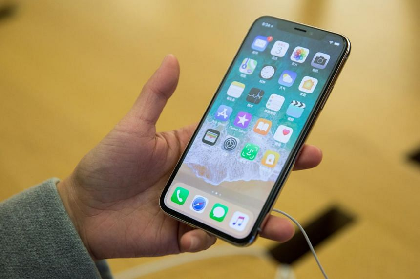 Apple said the planned update would address features covered by patents, which involve adjusting photographs and managing apps via a touchscreen.