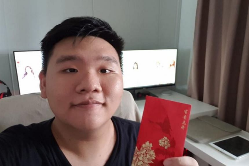Mr Bryan Lee, 18, returned the missing 4-D ticket to its owners and received a red packet containing $200 in return.