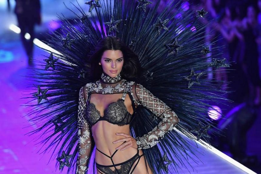 Kendall Jenner has topped Forbes magazine's list of best-paid models for the second year in a row.