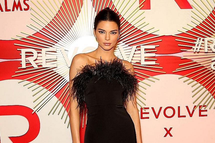 1. Kendall Jenner: US$22.5 million. She has contracts with adidas, Calvin Klein and Estee Lauder. 2. Karlie Kloss: US$13 million. The new host of reality TV show Project Runway has deals with Estee Lauder, adidas and Swarovski. 3. Rosie Huntington-Wh