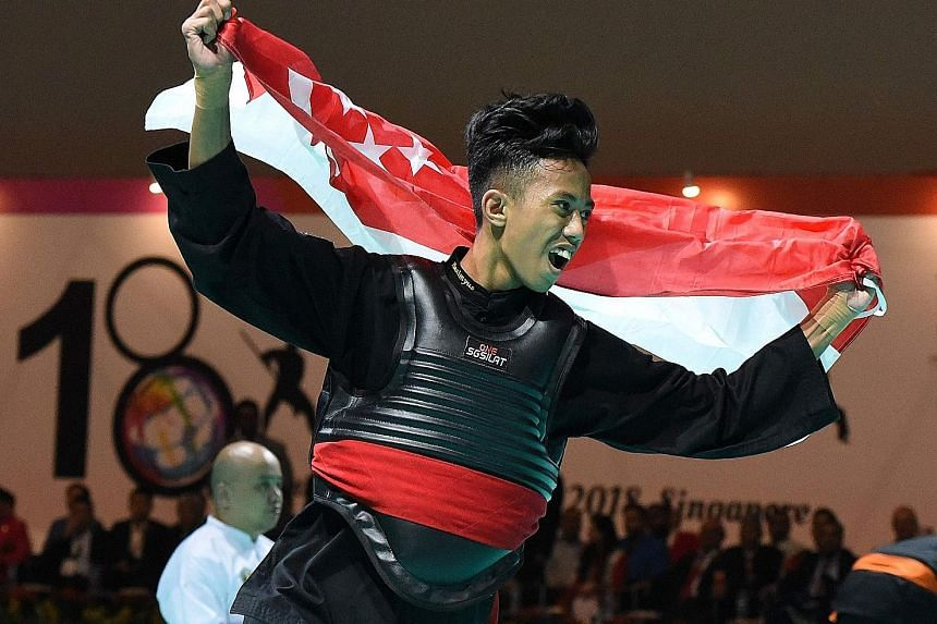Hazim Yusli won a gold medal in Class B (50-55kg). This is his first time competing in the senior World Championship.
