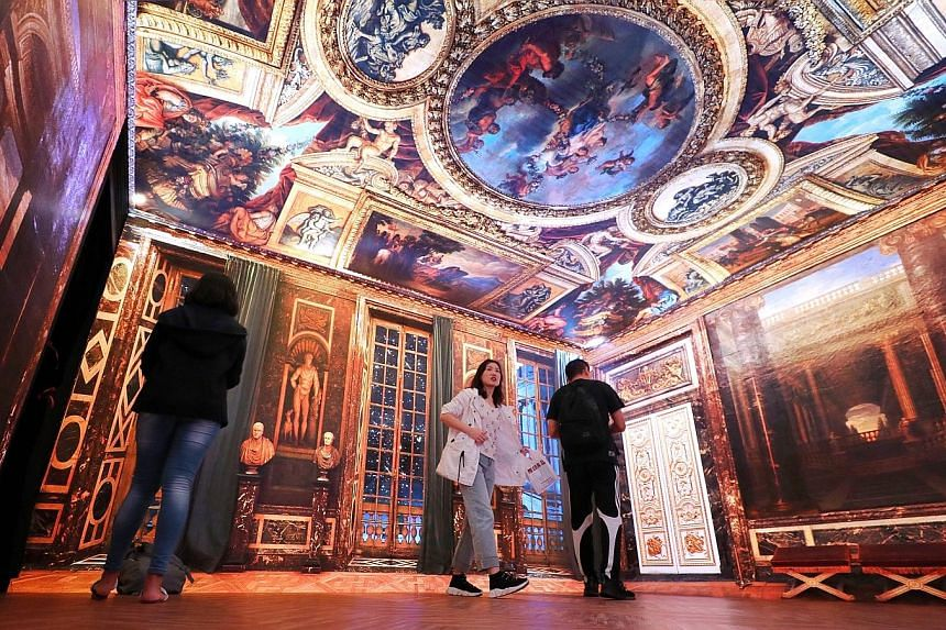 LED panels on four walls and the ceiling project images that resemble the real Venus Room in the Palace of Versailles.