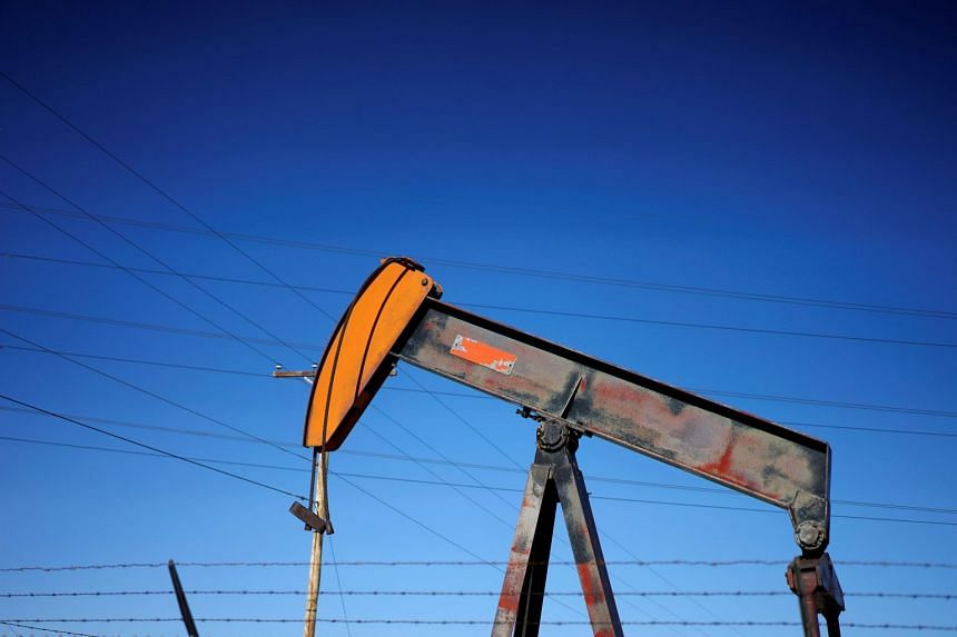 Oil prices sink for 3rd straight session amid supply glut worries