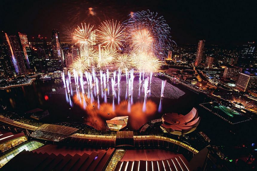 To catch one of the most spectacular and up-close rooftop views of the fireworks display over Marina Bay, book your table at Ce La Vi early.