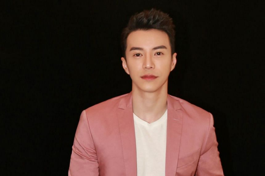 Actor Lawrence Wong has gotten so popular that he receives thousands of fan mail and messages on a daily basis.