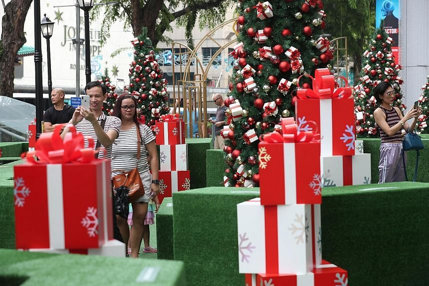 Singaporeans ranked 18th in terms of Christmas spending in a poll of 34 countries, below nations such as the Czech Republic, Britain and Finland. On average, a person here spends US$334 (S$457) during Christmas, with US$142 splashed out on food, comp