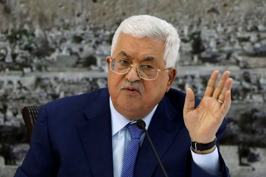 Abbas gestures during a meeting with the Palestinian leadership in Ramallah, Dec 22, 2018.