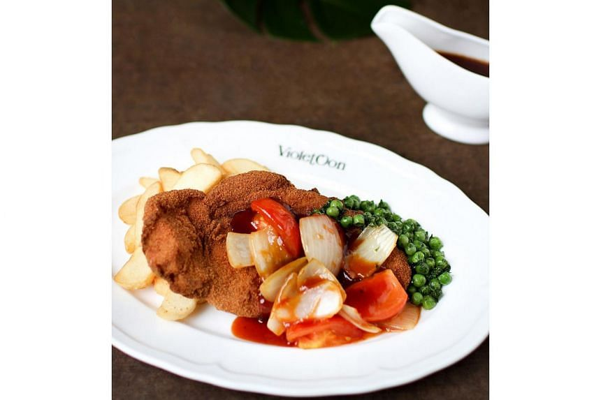 Everything about the Hainanese Pork Chop was perfect, said food critic Wong Ah Yoke, from the flavourful and juicy kurobuta pork to the light and crispy cream cracker batter crust.