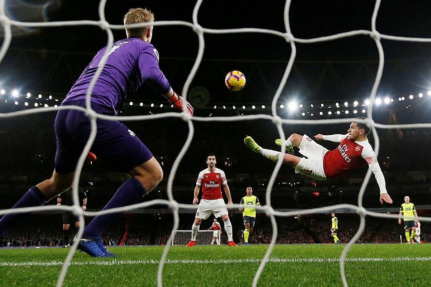 Richard Jolly's Best Signing Lucas Torreira scoring Arsenal's goal in their 1-0 win over Huddersfield with an acrobatic bicycle kick.